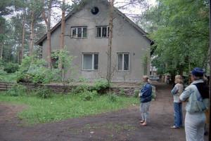 """""""Vårt"""" förstatligade hus i Nõmme, 1982. Här bodde nu 11 familjer."""
